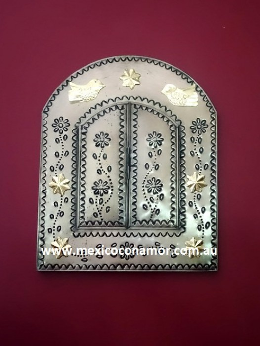 MEDIUM HAND PRESSED TIN WINDOW MIRROR