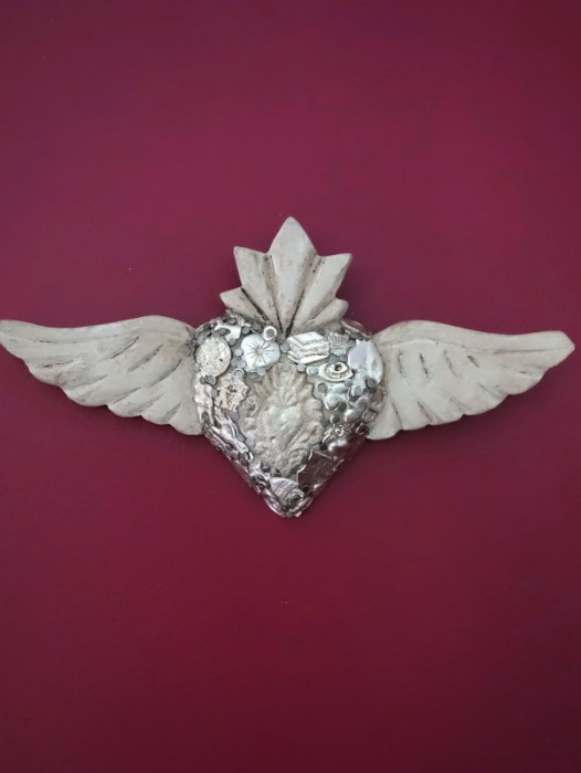 SMALL WINGED SACRED MIRACLE HEART