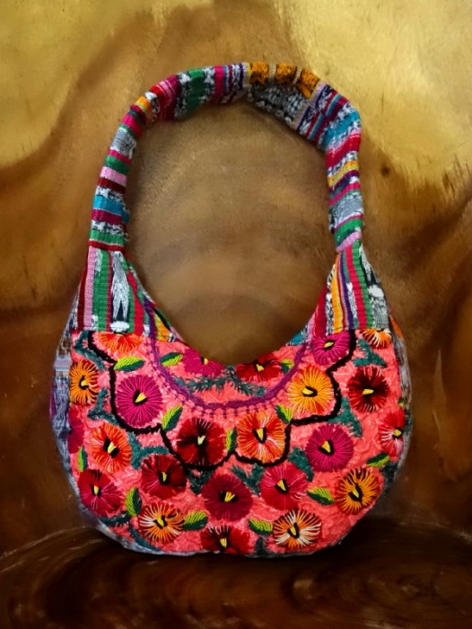 CHIAPAS EMBROIDERED HANDBAG ~ PEACH