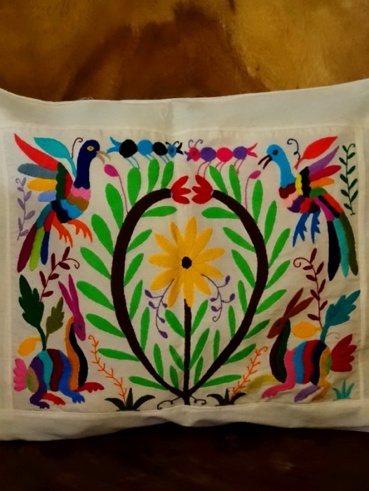 XL HAND EMBROIDERED OTOMI CUSHION COVER